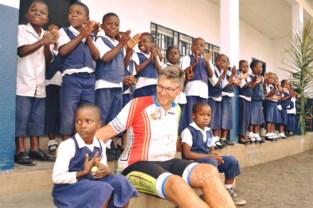 Ruim duizend kinderen krijgen les in school van Gentenaar in Kameroen