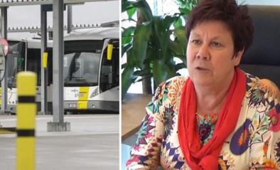 """Rita Coeck, de dame die al jaren de bussen op stal houdt: """"De toestand was nog nooit zo dramatisch als nu"""""""