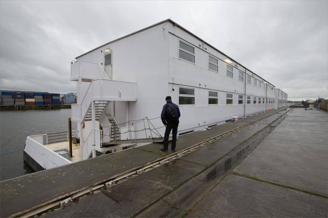 Gentse asielboot krijgt politie- en camerabewaking, eerste bewoners verwacht in december