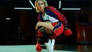 Cara Delevingne stelt haar bokscollectie met Balmain en Puma voor