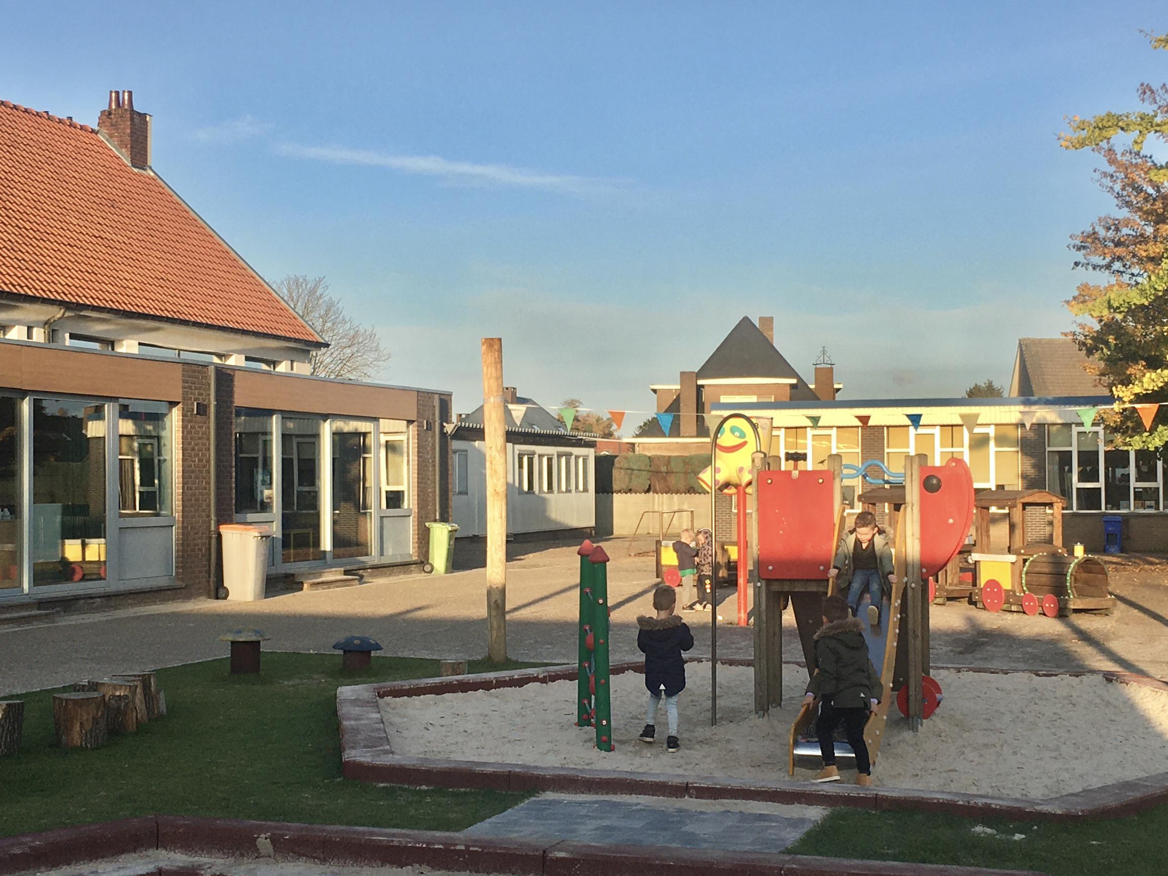 Minister maakt geld vrij voor bouwplannen zes scholen