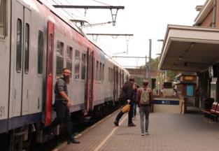 In afwachting van een nieuwe fietsenstalling stelt NMBS betalend parkeren aan station van Diest uit tot 2021