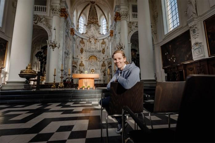 """Marina (22) en haar collega's maken kans op Erfgoedprijs: """"Kerkschatten zijn echt het ontdekken waard"""""""