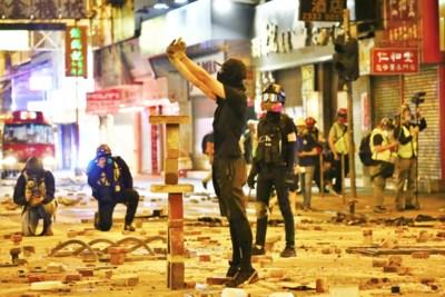Onze vrouw zag Hongkong veranderen van een levendige plek naar een lege stad… tot de hel er 's avonds losbarst