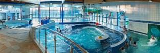 Zwembad Merelbeke wordt voorlopig gerenoveerd en wordt misschien duurder voor bezoekers uit buurgemeenten