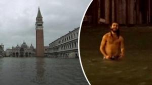 Noodtoestand in Venetië, maar deze man neemt voor het plezier een frisse duik op ondergelopen San Marcoplein