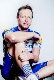 """Diederick (33) denkt niet aan opgeven na zware val tijdens Zesdaagse Gent: """"De piste is een deel van mijn leven"""""""