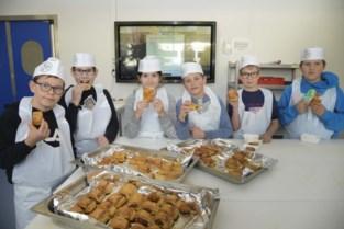 Worstenbroodjes maken tijdens Week van de Smaak