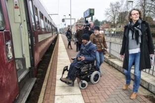 Meer rolstoelgebruikers willen assistentie in treinstations, maar stoten op obstakels