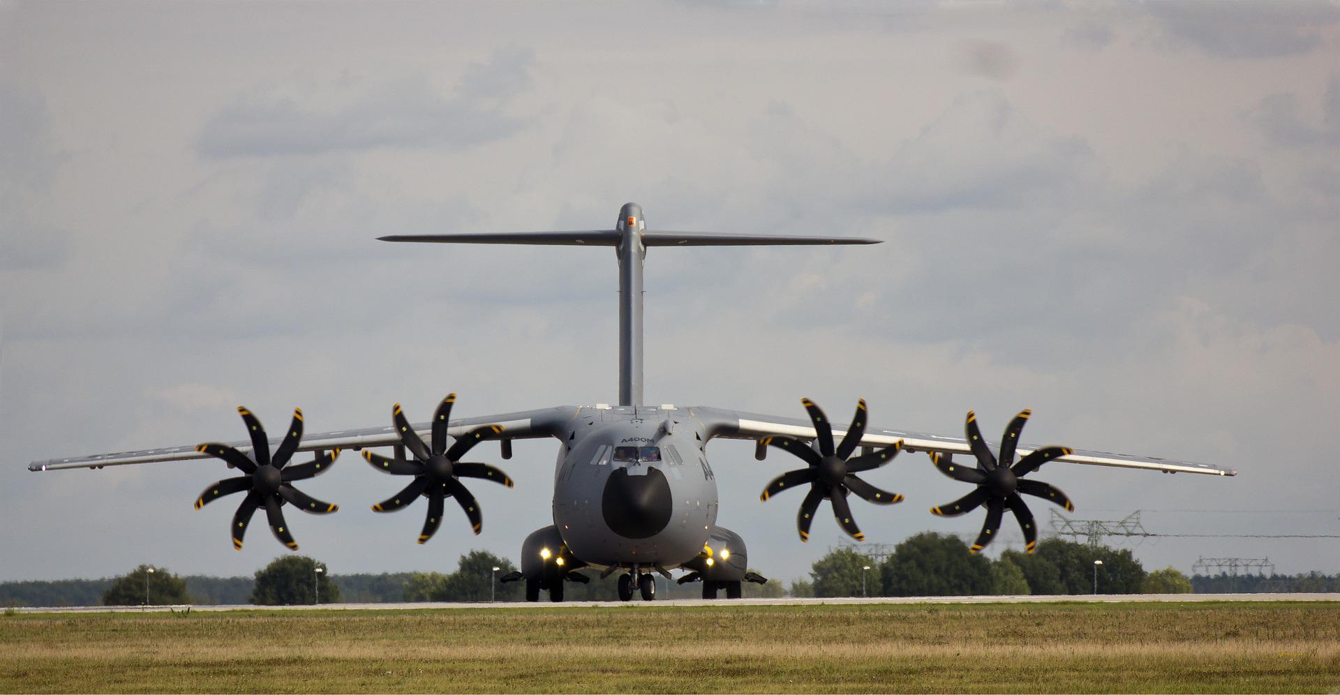 Defensie pompt 50 miljoen in nieuwe vliegtuighangar met kantoorfuncties