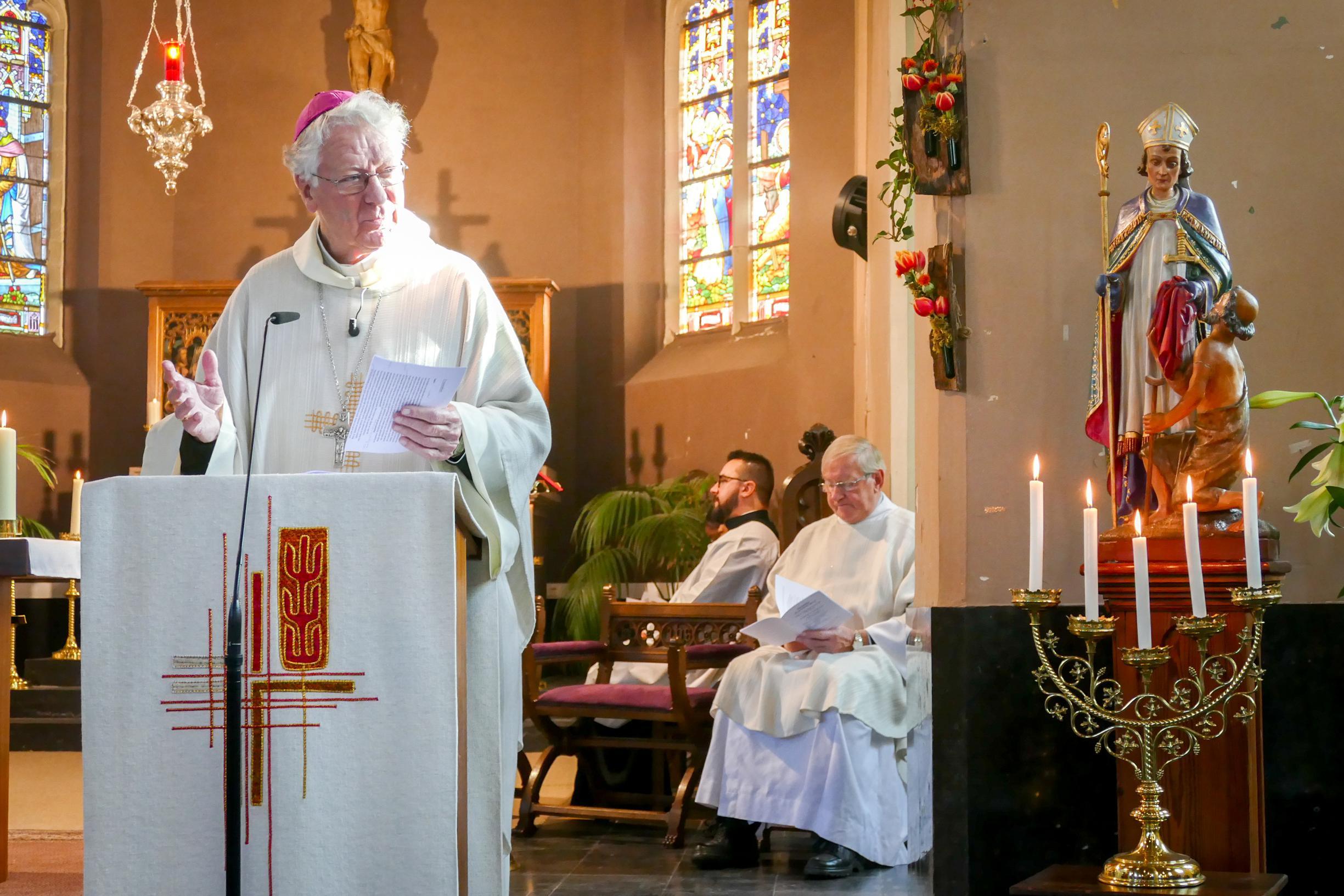 Kerkdienst sluit viering 1.000 jaar Massemen af (Wetteren) - Het Nieuwsblad