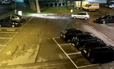 Vrouw veroorzaakt voor duizenden euro's schade bij wegrijden uit parking van Albert Heijn en rijdt gewoon door
