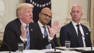 """Amazon noemt toekenning megacontract van Pentagon aan Microsoft """"niet objectief"""": """"Door slechte relatie tussen Trump en Bezos"""""""