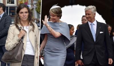 """Je ziet haar zelden maar deze vrouw wordt 'de oren van de koning in Vlaanderen' genoemd: """"Op staatsbezoek kan ze als een pitbull optreden"""""""