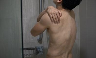 Naakt douchen of niet: zo gaat het eraan toe in Vlaamse sportclubs
