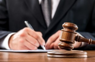 Vrederechters en griffier riskeren celstraf, maar blijven gesjoemel ontkennen