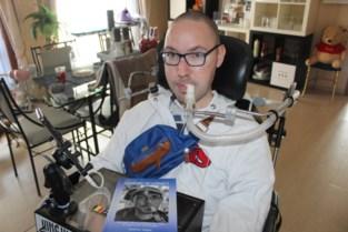Matthias (31) schrijft boek over leven met terminale spierziekte