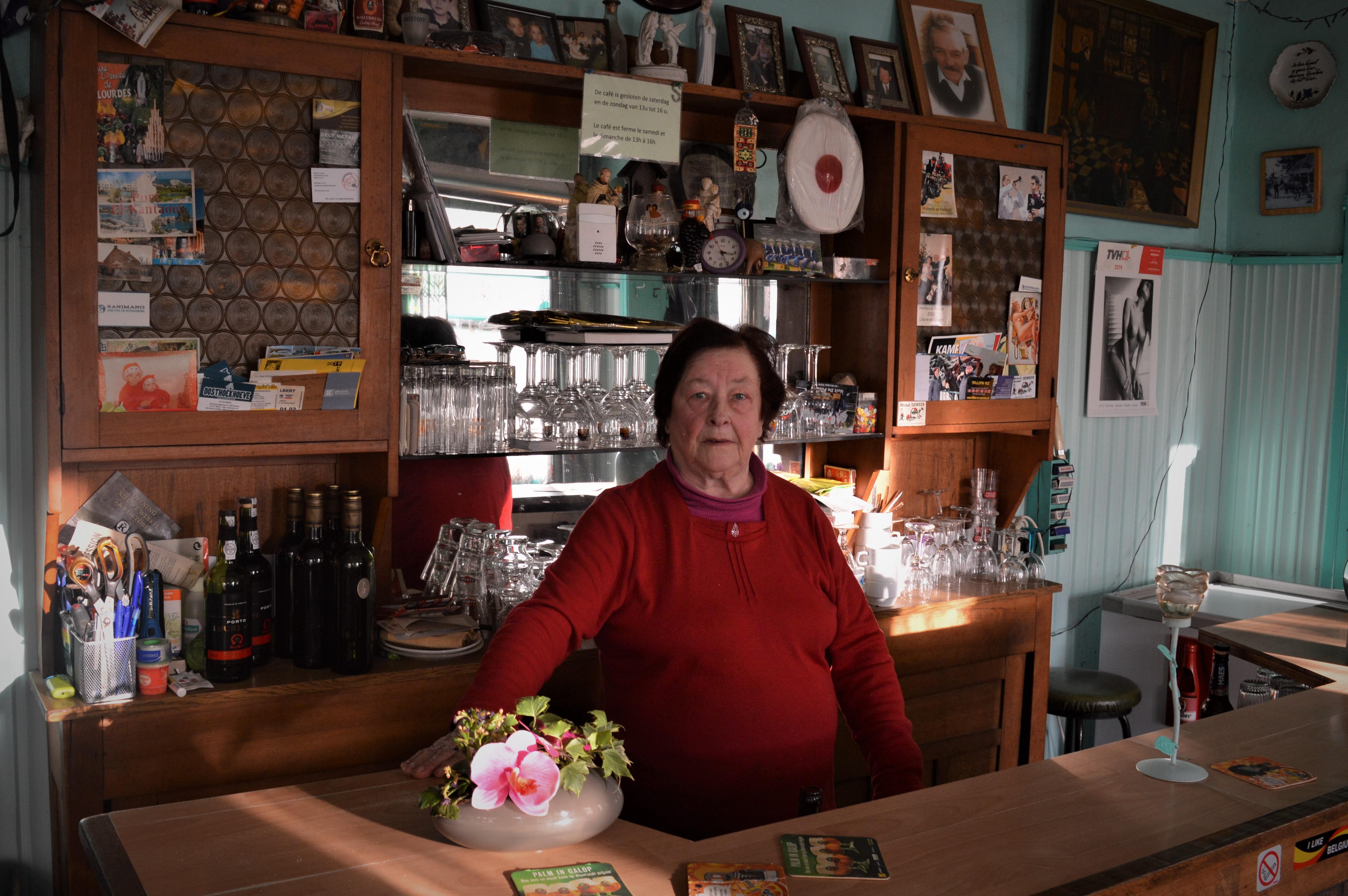 """Café La Forge: 400 jaar geschiedenis en pintjes aan 1 euro: """"Waarom zou ik opslaan? Het is gemakkelijk zo"""" - Het Nieuwsblad"""