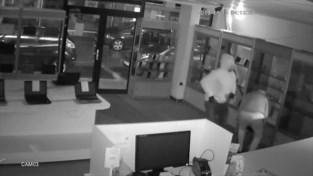 VIDEO. Telefoonwinkel in Genk zet beelden van overval online