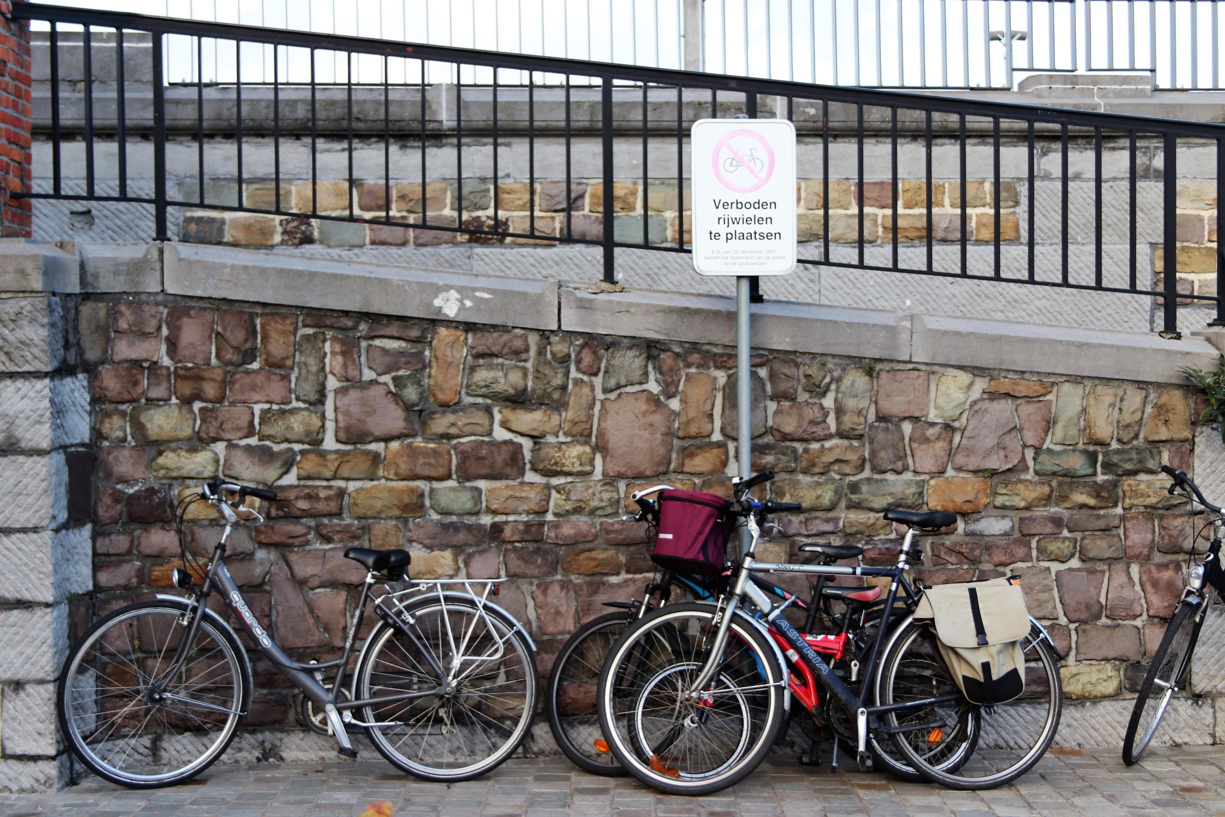 Fietsenstalling aan station veel te klein: gemeenschapswachten zoeken oplossing