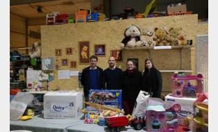 Medewerkers Ontex zamelen speelgoed in voor kansarme gezinnen