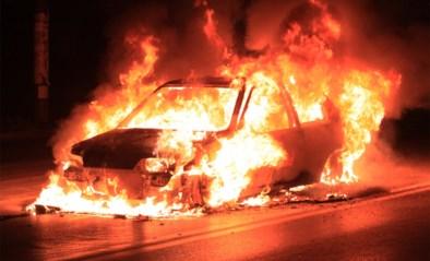 Zes jaar lang werd regio opgeschrikt: nu is de man die 900 auto's in brand stak eindelijk gearresteerd