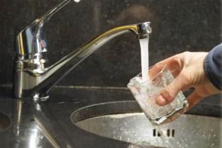 """Waterfactuur van bijna 15.000 euro: """"Onmogelijk dat wij zo veel water gebruikt zouden hebben"""""""