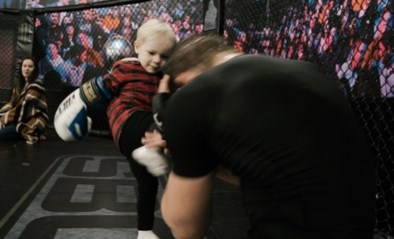 Te schattig: Conor McGregor Junior (2) traint nu al met papa in de octagon