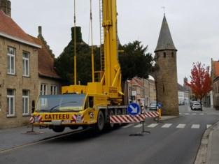 Herstellingswerken aan torens van Westpoort in Lo