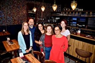"""Laura Boccasile opent jazzcafé: """"Mijn zaak als living voor iedereen"""""""