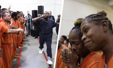 Gevangenen tot tranen toe bewogen tijdens verrassingsoptreden van Kanye West