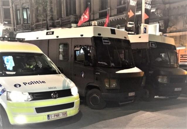 """Politie pakt 17 jongeren op die winkels in Antwerpse binnenstad willen plunderen: """"Ontegensprekelijk verontrustend"""""""