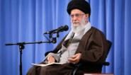 Ondanks hevig protest van bevolking steunt ayatollah Khamenei beslissing om benzineprijzen in Iran te verhogen