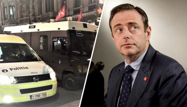 """Bart De Wever wijst op """"ouderlijke verantwoordelijkheid"""" na berichten over jongeren die oproepen tot plunderingen"""