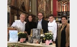 """Ouders verongelukte Charlotte (18) bezoeken Italiaans dorpje waar ballon landde na begrafenis: """"Drie dagen vol emoties, maar we gaan zeker terug"""""""