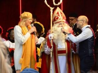 FOTO Veel fans op Dag van de Sint