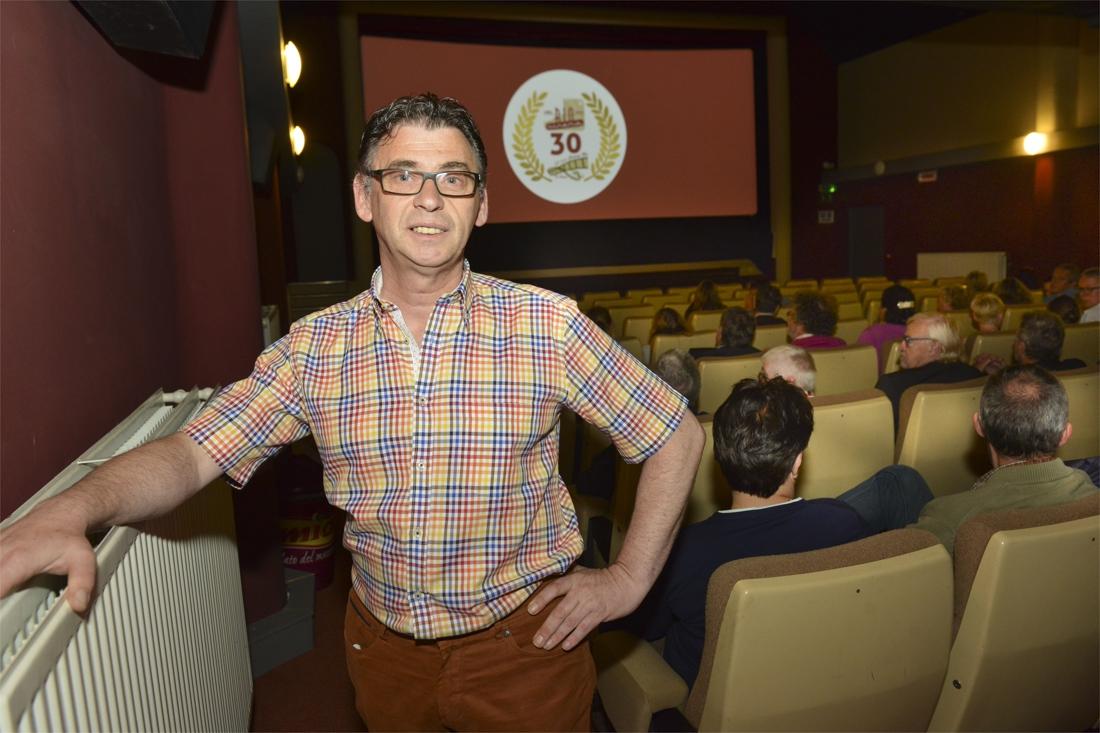 """Filmfreak Ronny (61) doet door met zijn geliefde Cinema Rio: """"Veel collega's verklaarden me gek, maar kijk nu eens"""""""