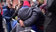Zestigtal asielzoekers staan opnieuw voor gesloten deur aan Klein Kasteeltje