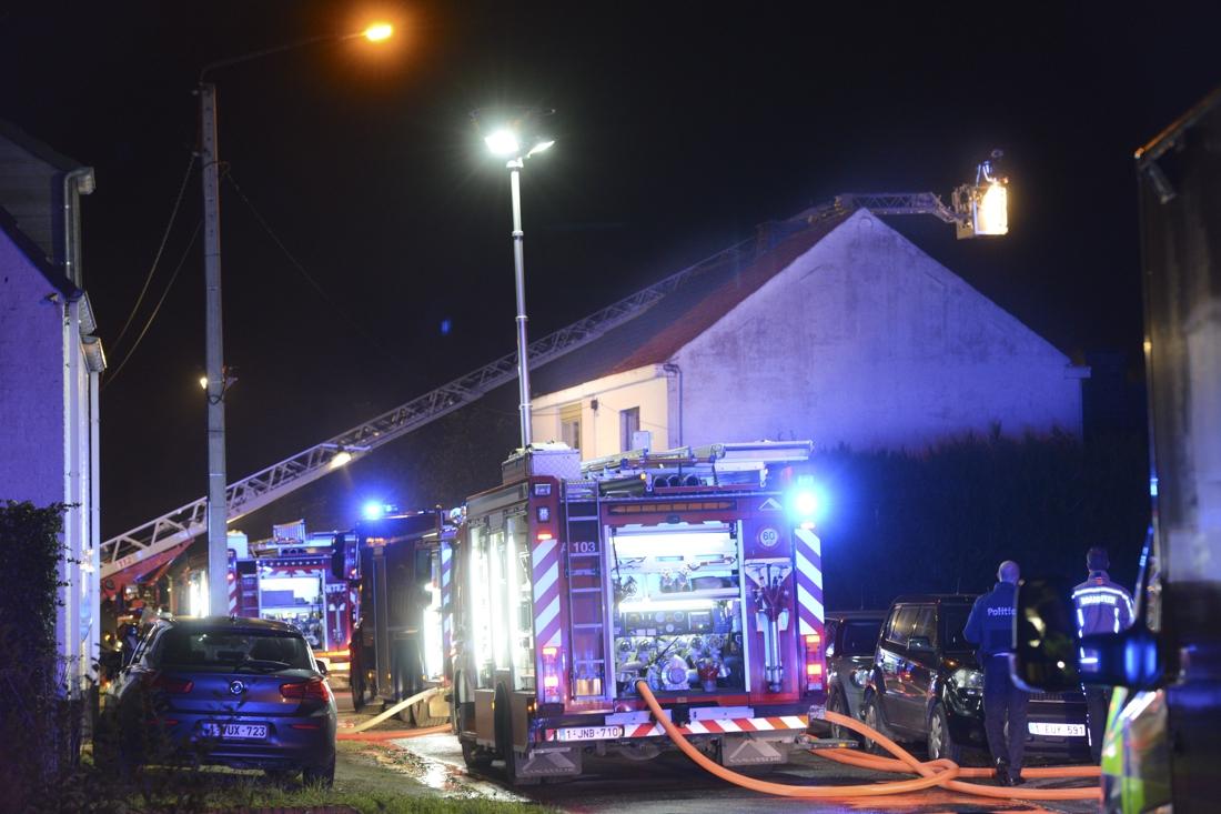 Woning onbewoonbaar door brand, bewoners kunnen terecht bij dochter - Het Nieuwsblad