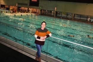 25 jaar nadat mama stierf aan ALS, organiseert Liesbeth zwemacties voor De Warmste Week