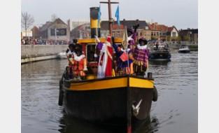 Eerste intocht van Sinterklaas op zondag is groot succes
