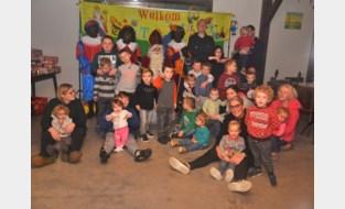 FOTO. Sint-Maarten pleziert kinderen op kinderboerderij De Pluimhoeve