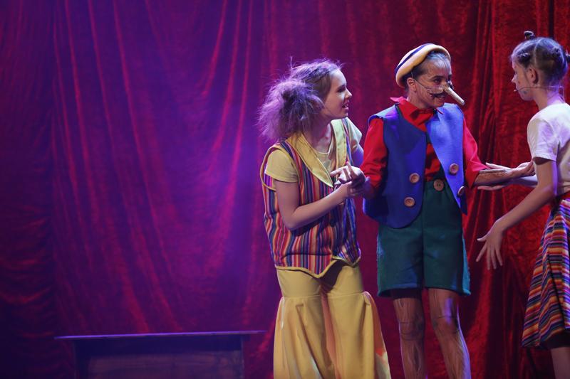 FOTO. Vierendertig jonge musicalsterren weten meer dan duizend toeschouwers te charmeren