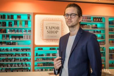 """Vapeshops krijgen veel vragen na dood van 18-jarige: """"Moeten we dan toch weer gewone sigaretten roken?"""""""