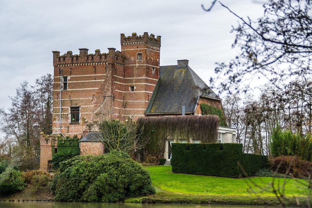 """Limburgse kastelen staan massaal te koop: """"Een vraagprijs van 1,2 miljoen? Een eitje, dat krijg ik nog dit jaar verkocht"""""""