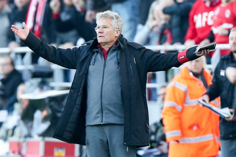 """Antwerp speelt twee keer tegen AA Gent op vier dagen tijd, maar Bölöni wil niet klagen: """"We gaan niet negatief doen"""""""