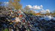 """600 ton zwerfvuil ligt al jaren naast wandelweg: """"We kunnen weinig doen"""""""