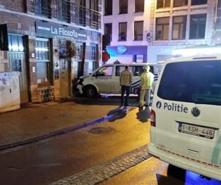 Politiecombi ramt restaurant na achtervolging: zaak minstens drie weken gesloten