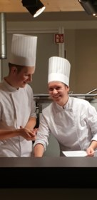 Bewogen dag bij familie Demeestere: Michelinster voor papa, prestigieuze koksprijs voor zoon (en zijn lief)
