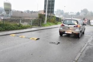 De frustratie te veel voor automobilisten en dus moet verkeersdrempel het ontgelden